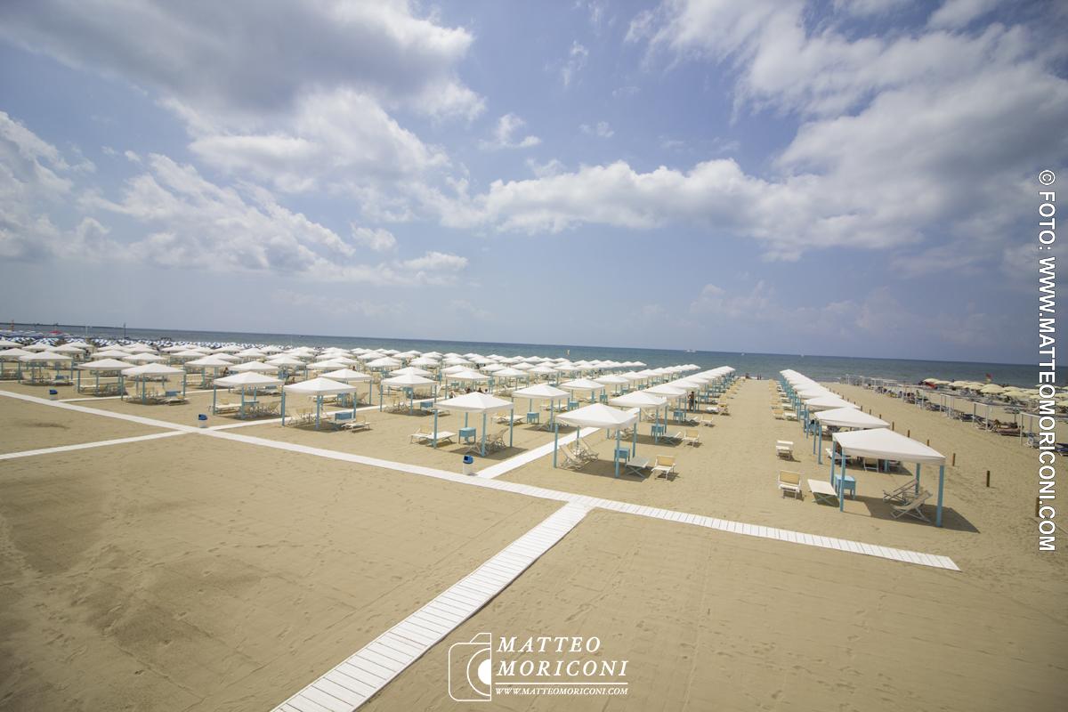 La spiaggia - Inagurazione a Viareggio del nuovo Principe di Piemonte
