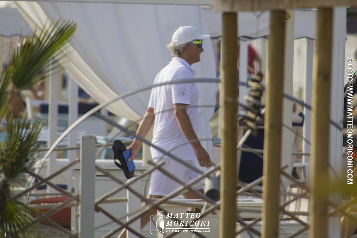 Oleg Tinkov in Spiaggia a Forte dei Marmi
