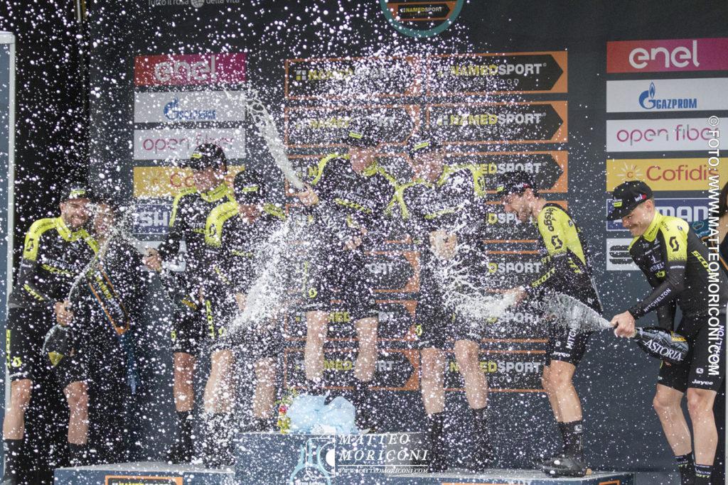 Tirreno - Adriatico 2019: La Mitchelton - Scott festeggia la Vittoria - Prima Tappa a Lido di Camaiore - 13 Marzo 2019