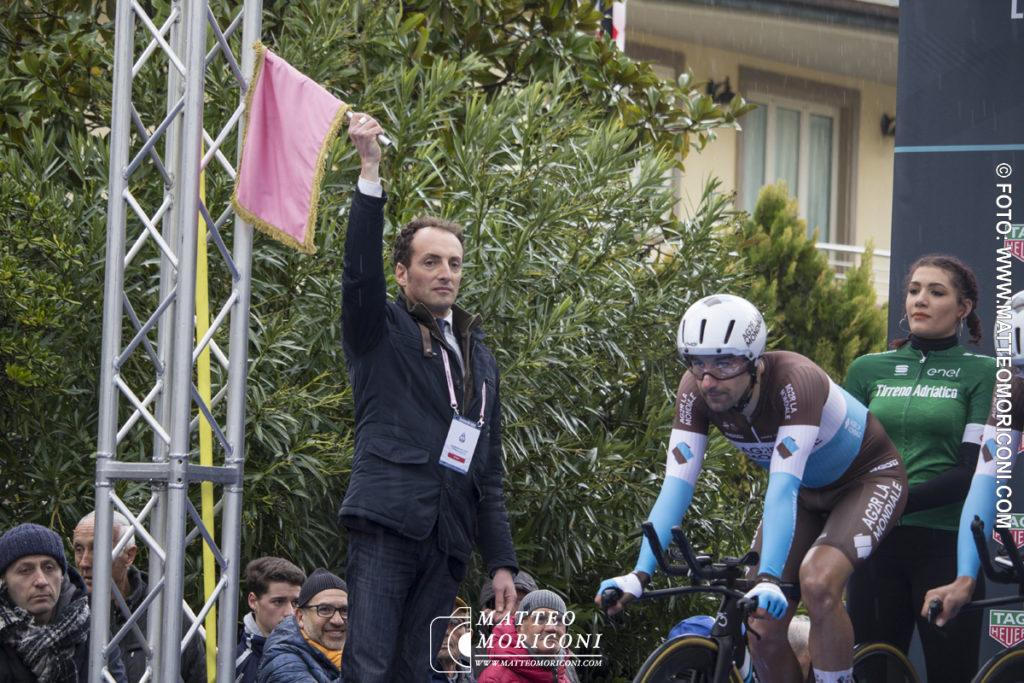 Tirreno - Adriatico 2019: Il Via della Prima Tappa a Lido di Camaiore, dato dal sindaco di Camaiore Alessandro del Dotto - 13 Marzo 2019